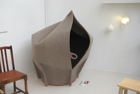 将自己完全隐蔽的时尚沙发2