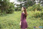 Photoshop怎么给野花中人物添加漂亮的霞光